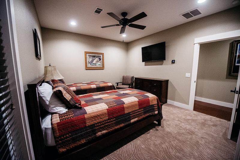 Lodge Suite 4